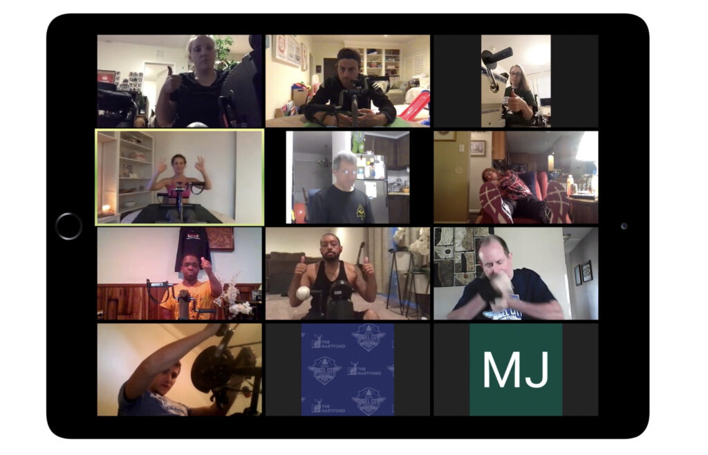 Kakana's virtual locker room. A picture of everyone on zoom together chatting before class.